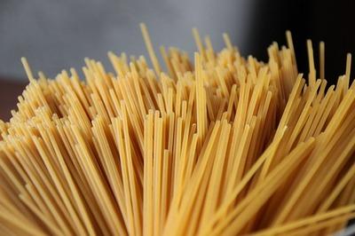 Spaghetti with leek sauce